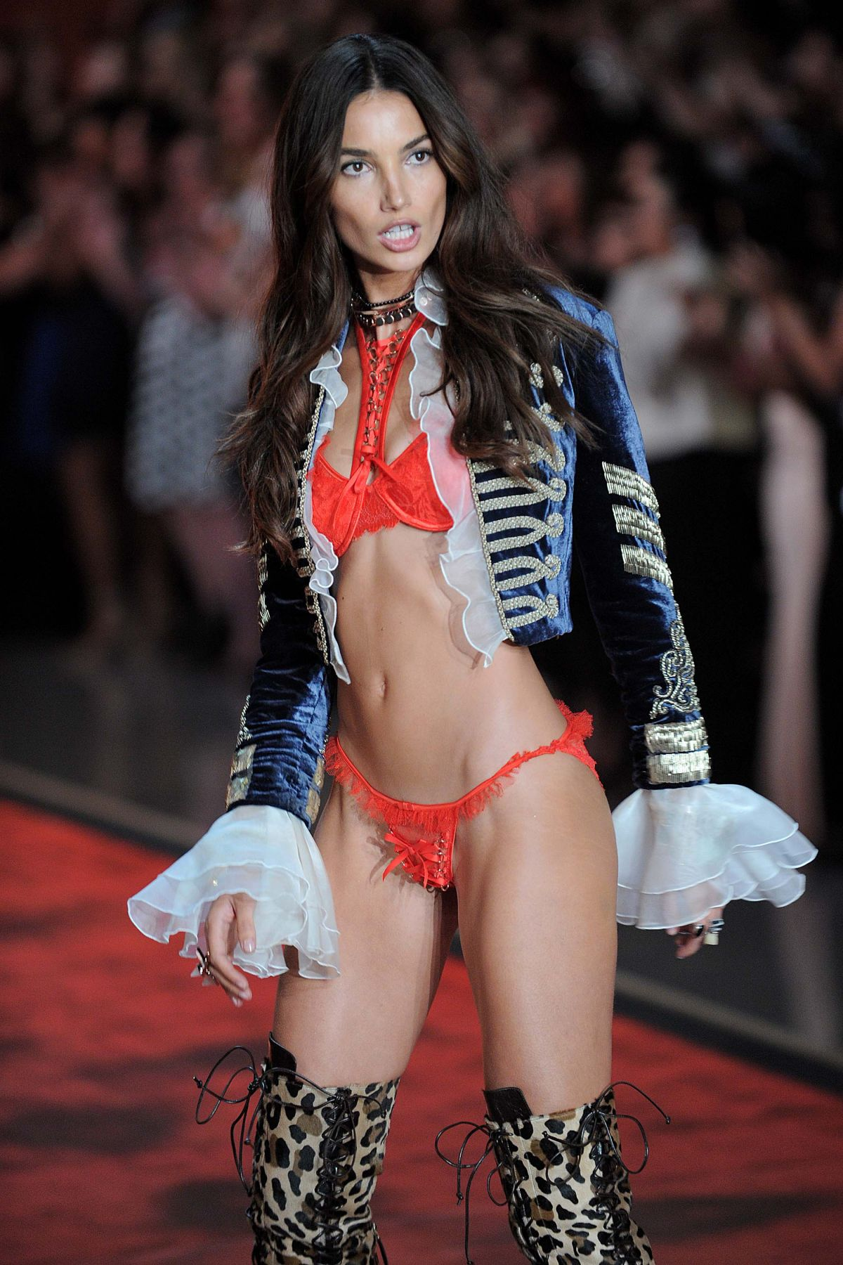 2015 S Most Popular Halloween Costumes By State Map: LILY ALDRIDGE At Victoria's Secret 2015 Fashion Show In