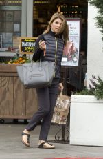 LORI LOUGHLIN Shopping at Bristol Farms in Beverly Hills 11/15/2015
