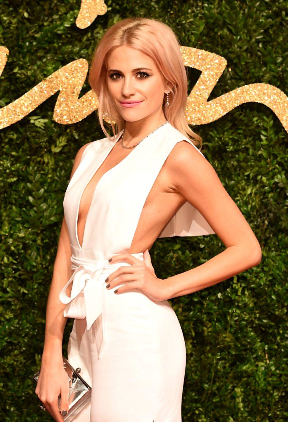 PIXIE LOTT at 2015 British Fashion Awards in London 11/23/2015