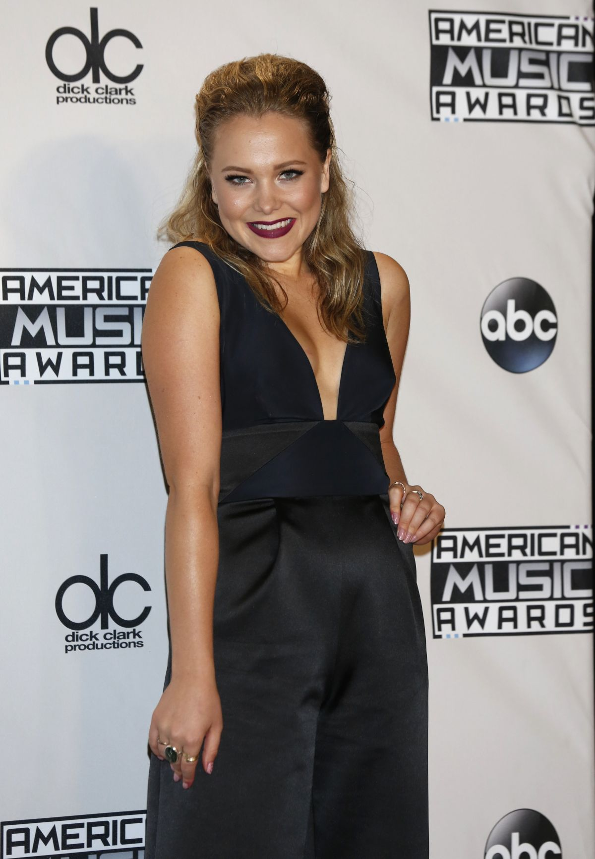POPPY JAMIE at 2015 American Music Awards in Los Angeles 11/22/2015