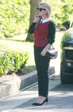 REESE WITHERSPOON Out in Los Angeles 11/18/2015