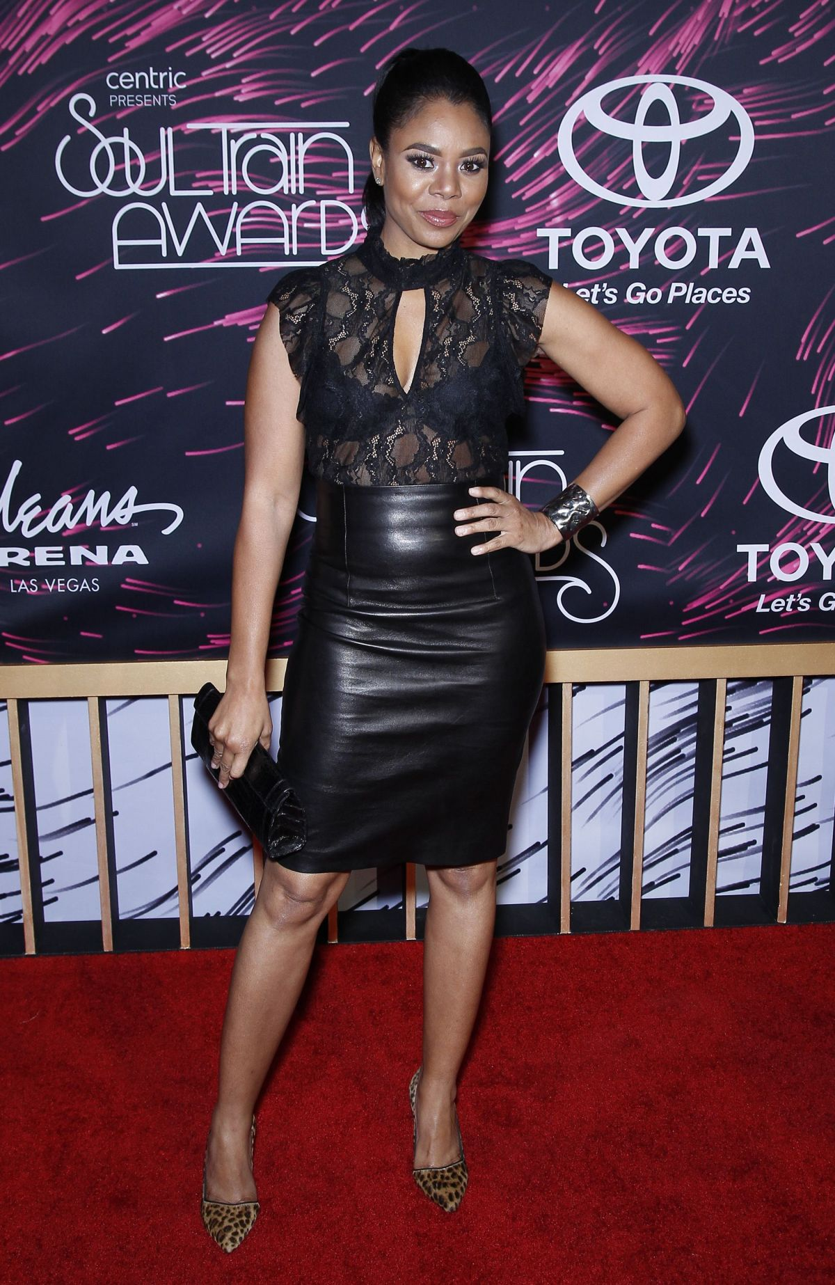 REGINA HALL at 2015 Soul Train Awards in Las Vegas 11/06/2015