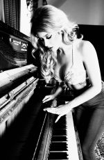 RENEE OLSTEAD by Marisa Pike