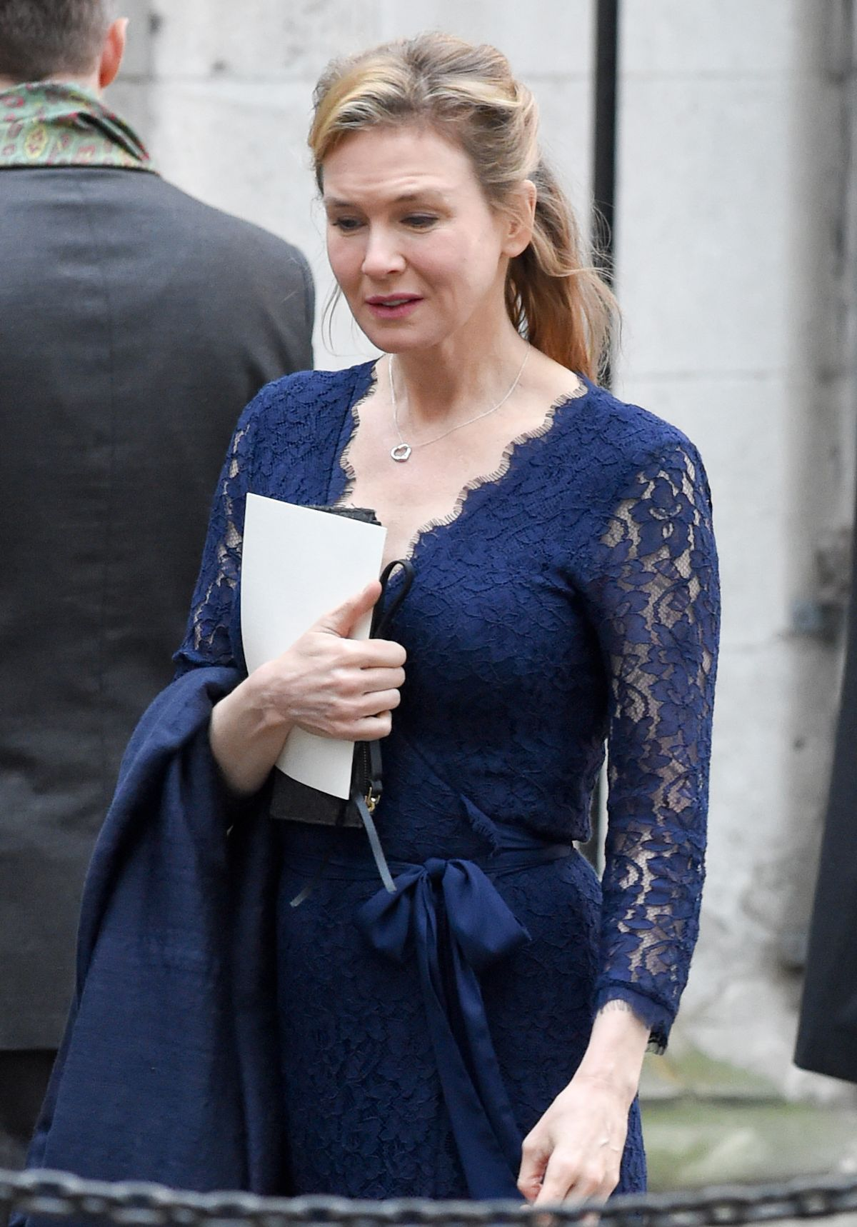 RENEE ZELLWEGER on the Set of Bridget Jones' Baby 11/10/2015 ...