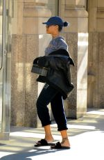 RIHANNA Arrives at Her Apartment in New York 11/21/2015