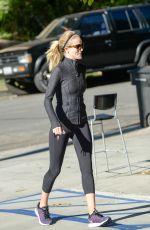 ROSIE HUNTINGTON-WHITELEY Heading to a Gym 11/12/2015