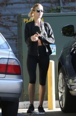 ROSIE HUNTINGTON-WHITELEY Leaves a Gym in Los Angeles 11/28/2015