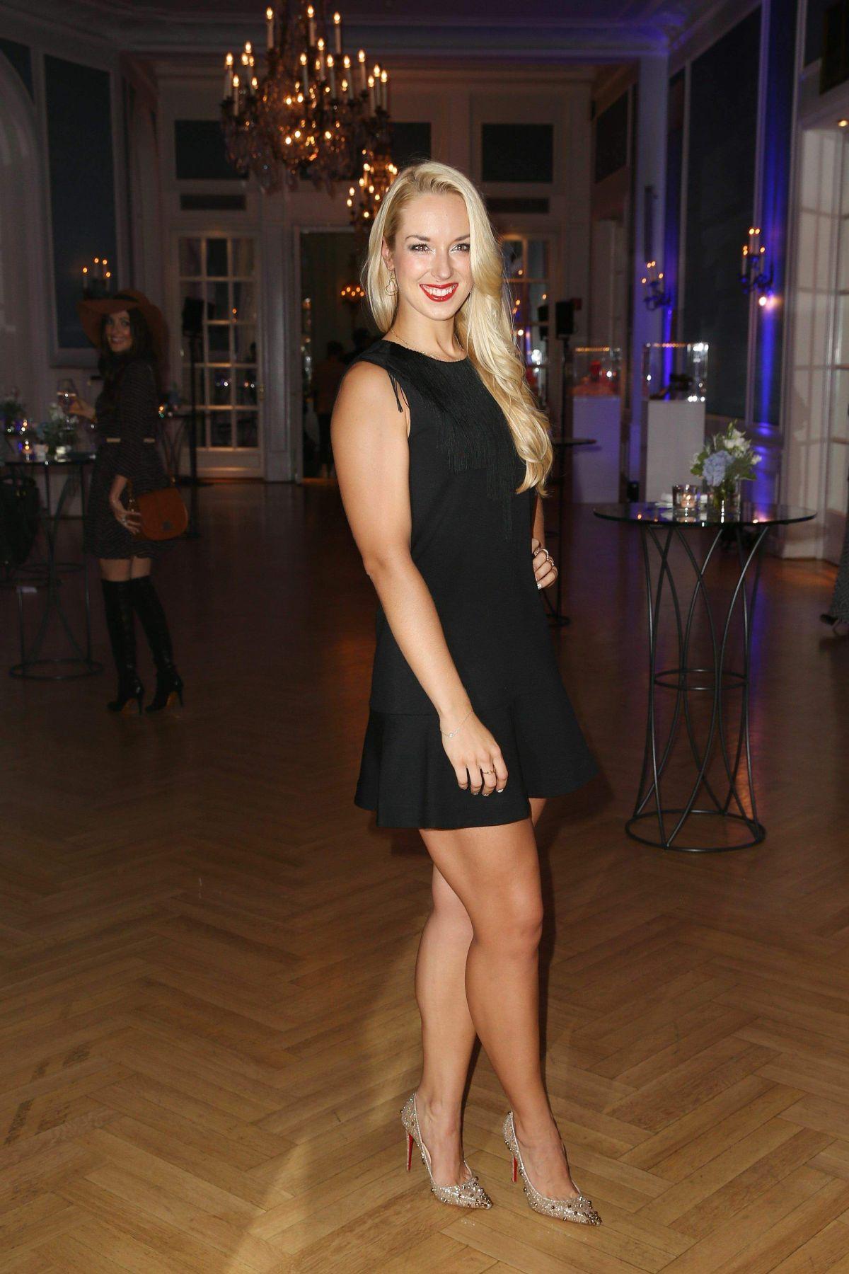 Sabine Lisicki Shoe Size