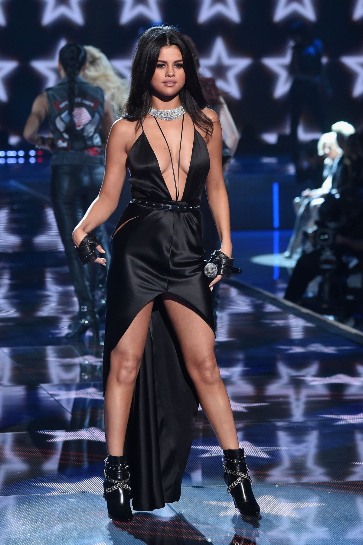 Selena Gomez At Victoria S Secret 2015 Fashion Show In New York 11 10 2015 Hawtcelebs