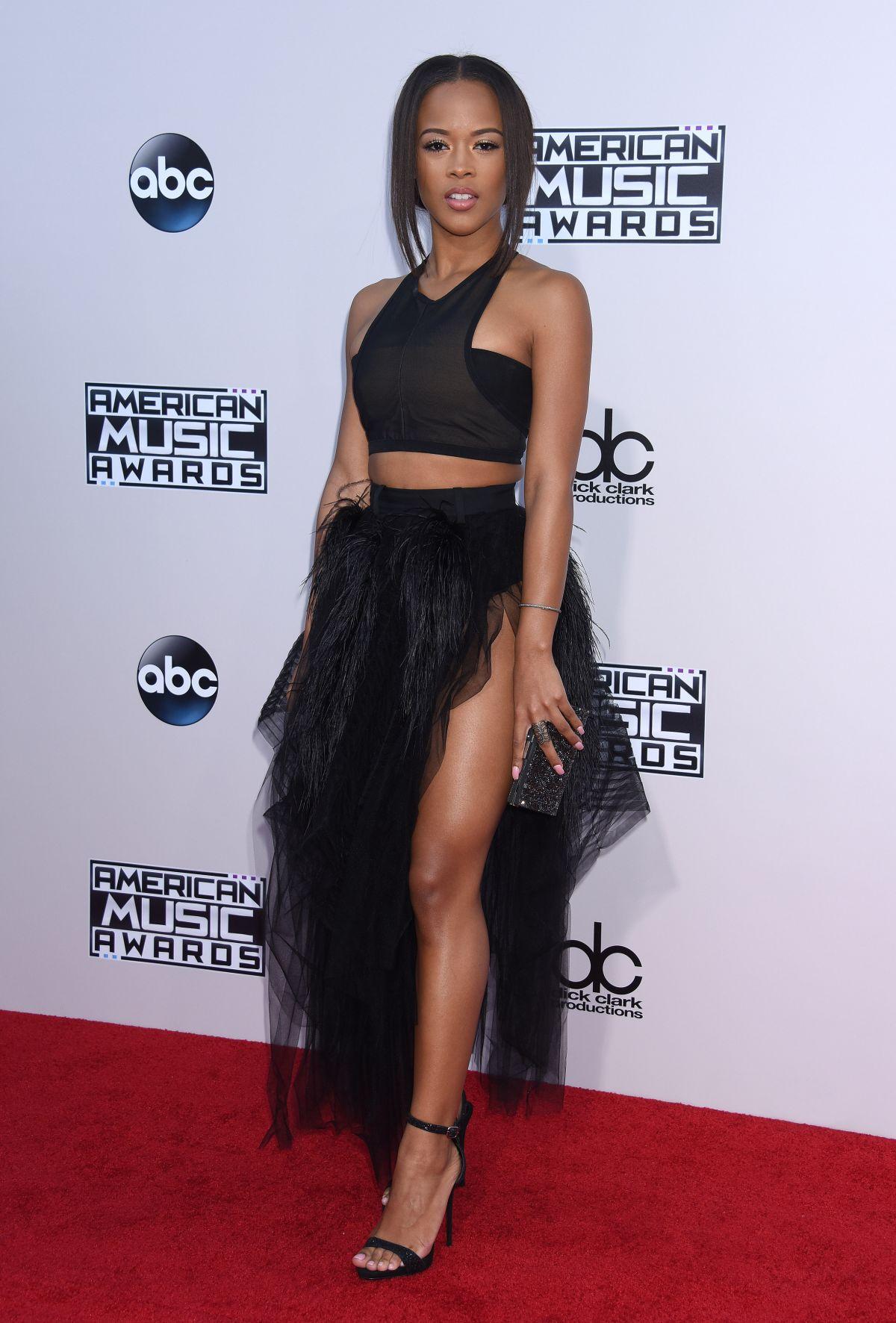 SERAYAH MCNEILL at 2015 American Music Awards in Los Angeles 11/22/2015