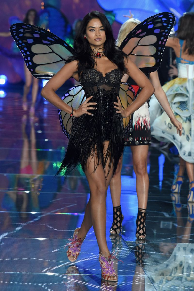 Shanina Shaik Victorias Secret Fashion Show 2019