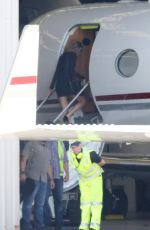 TAYLOR SWIFT Boarding at a Private Jet in Sydney 11/28/2015