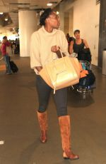 VENUS WILLIAMS Arrives at LAX Airport in Los Angeles 11/20/2015