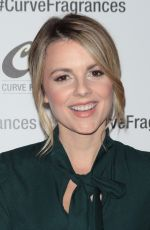 ALI FEDOTOWSKY Hosts Curve Fragrances for Men Trivianyc Game Night in New York 12/03/2015