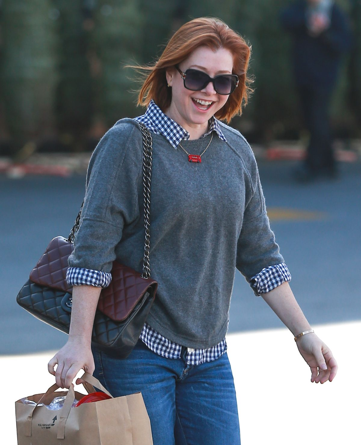 ALYSON HANNIGAN Shopping at Ralphs in Brentwood 12/04/2015