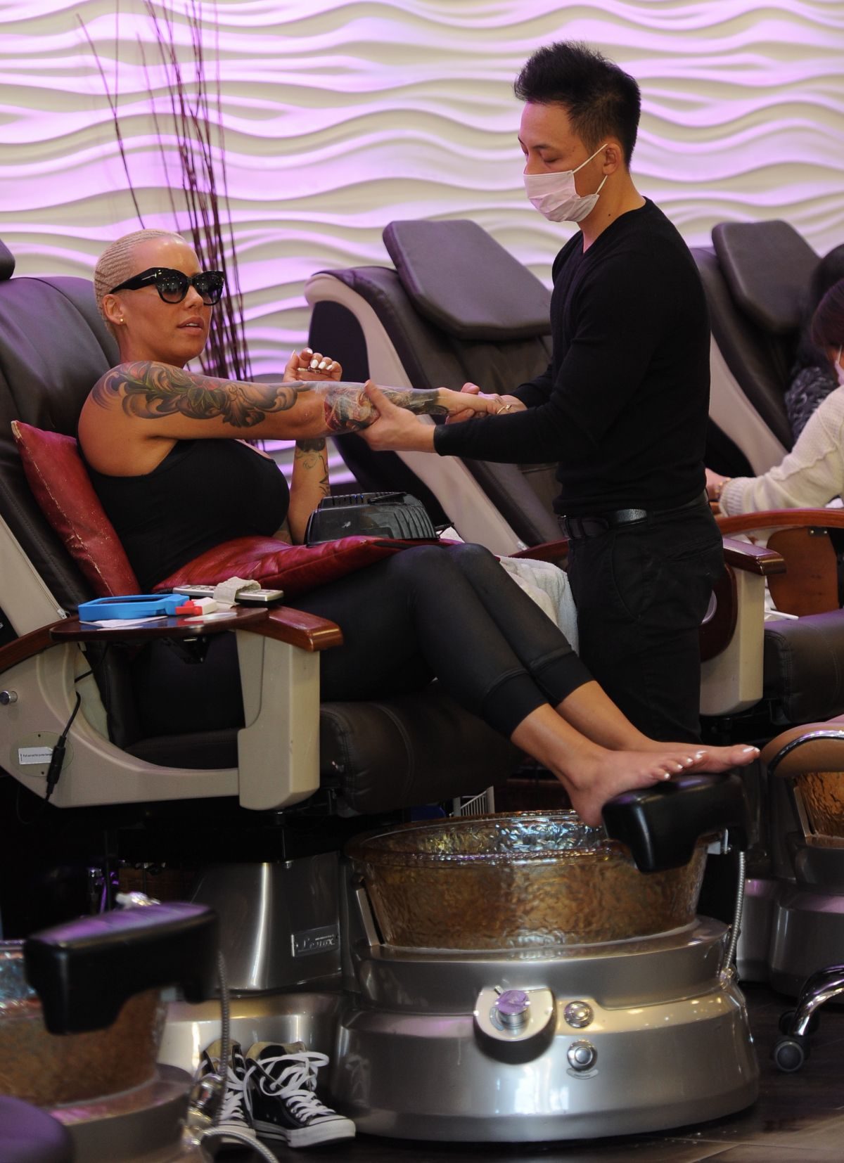 AMBER ROSE at a Nail Salon in Los Angeles 12/29/2015 - HawtCelebs