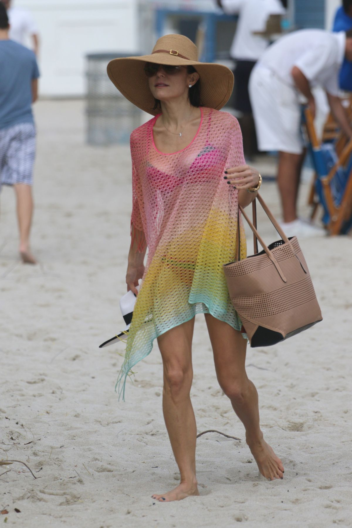 Bethenny Frankel in Bikini on the beach in Miami 2 Pic 10 of 35