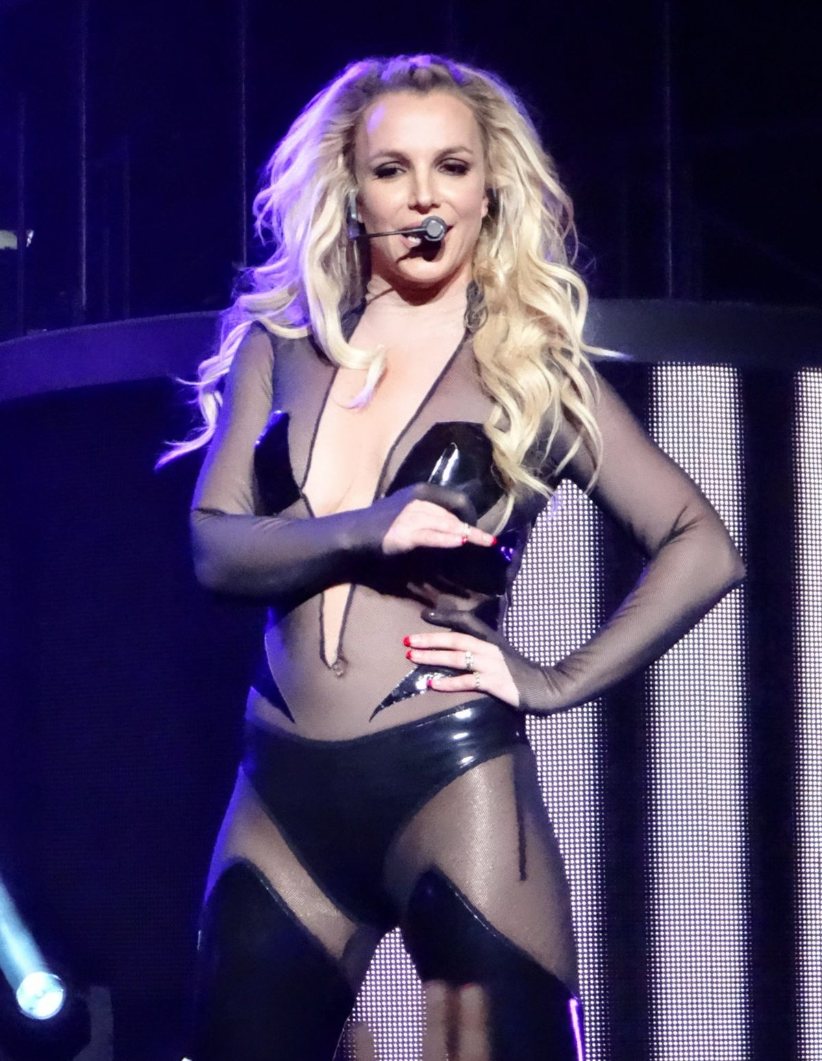 BRITNEY SPEARS Performs in Las Vegas 12/27/2015