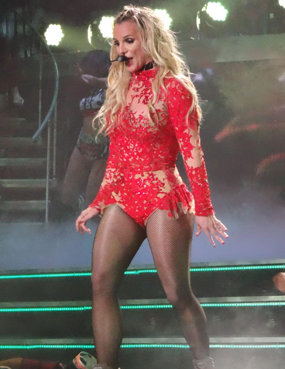 BRITNEY SPEARS Performs in Las Vegas 12/27/2015 ... Britney Spears Vegas