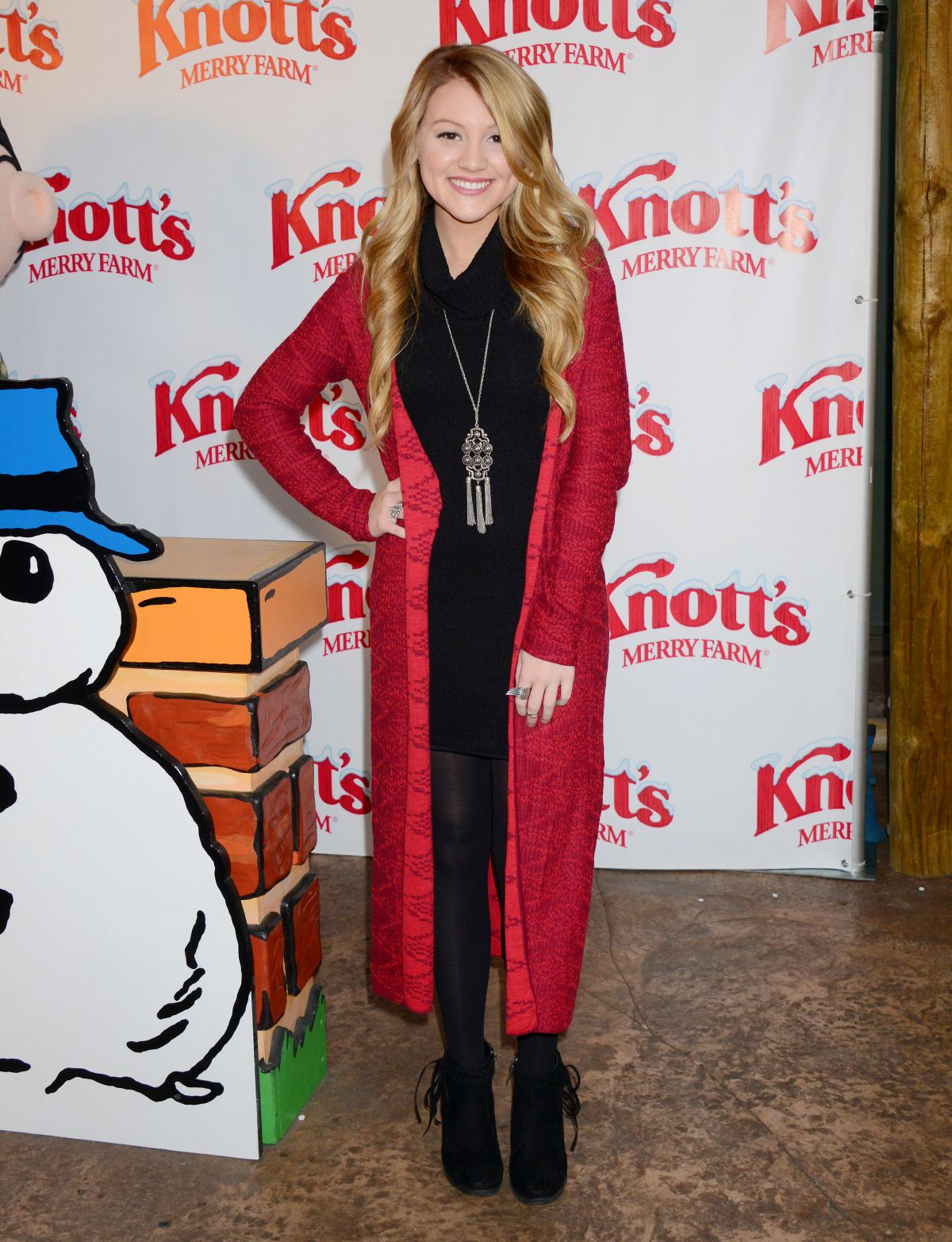 BROOKE SORENSON at Knott's Merry Farm Countdown to Christmas and Tree Lighting 12/05/2015