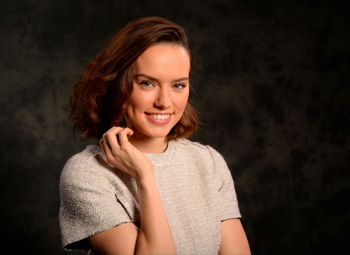 DAISY RIDLEY - USA Today 2015 Portrait