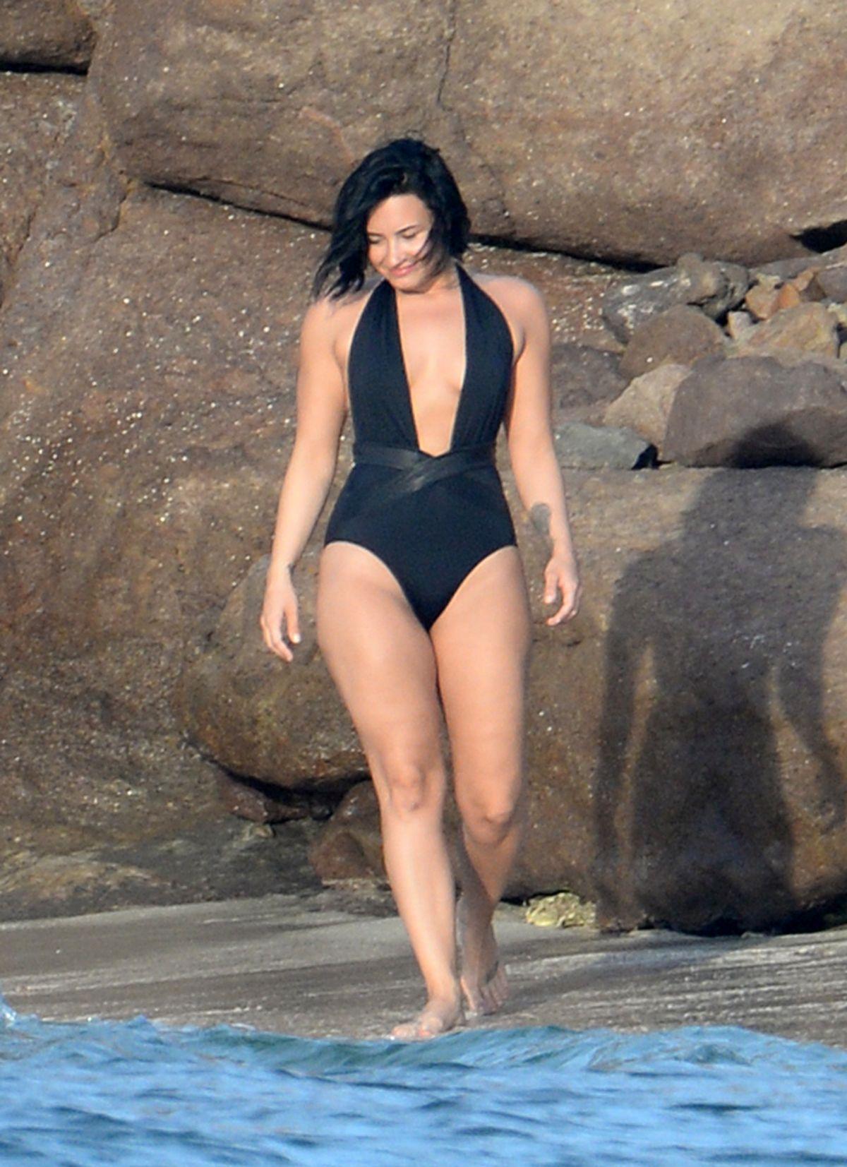 Bikini Demi Lovato naked (78 photo), Pussy, Leaked, Selfie, in bikini 2018