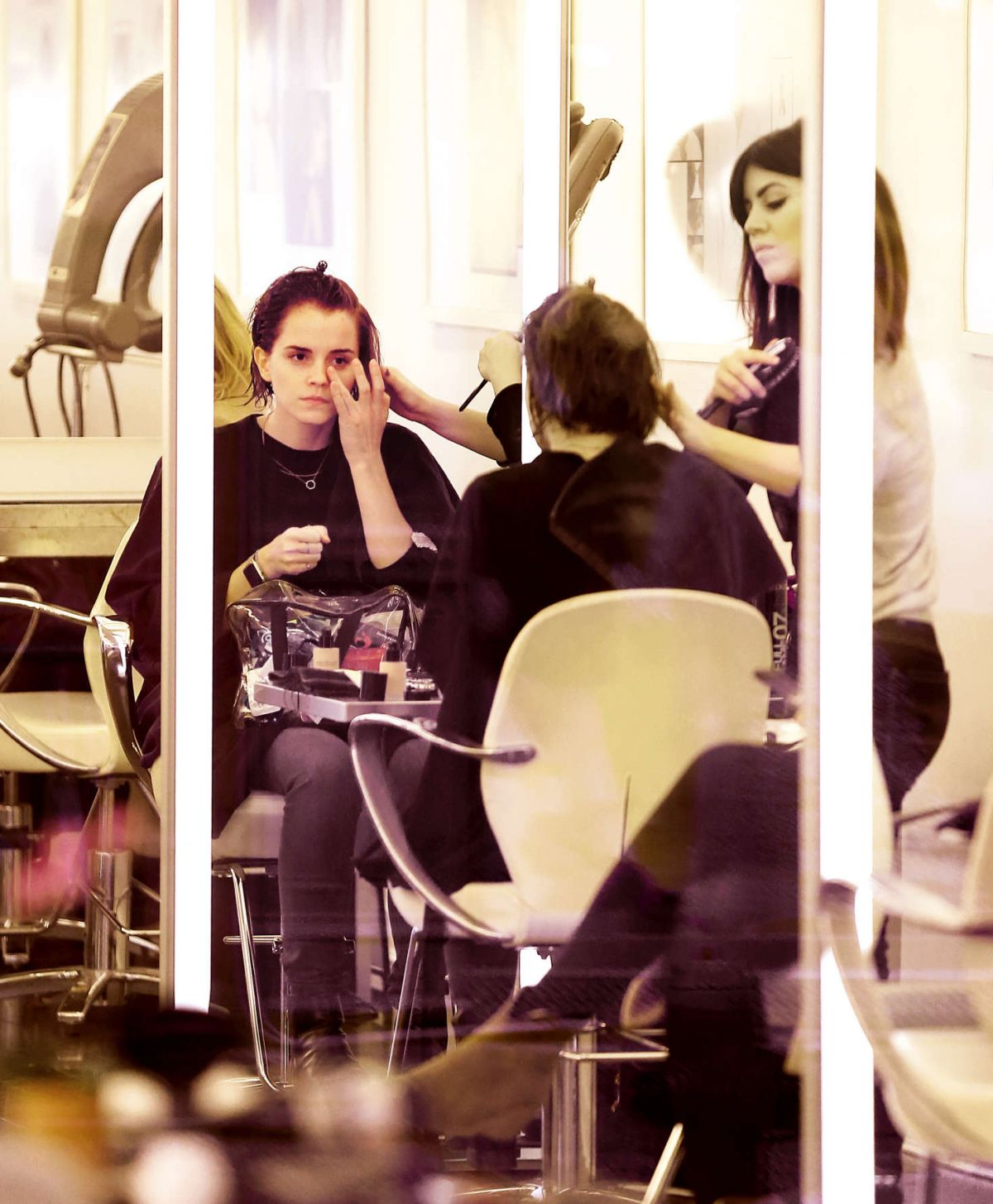 Salon Style New Yorkais emma-watson-at-a-hair-salon-in-new-york-12-08-2015_2