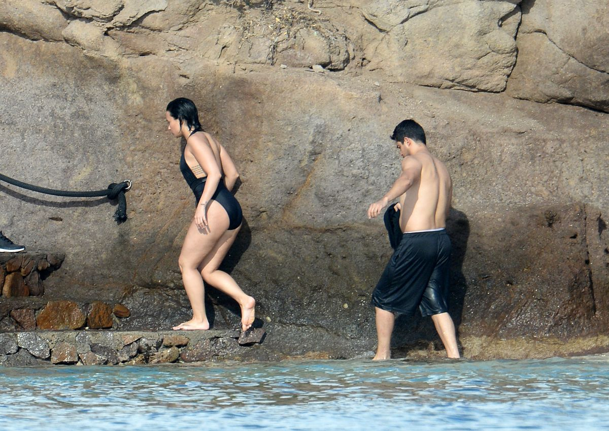 Forum Org Showthread Php Demi Lovato Bathing Suit St Barth 15 Dont Forget