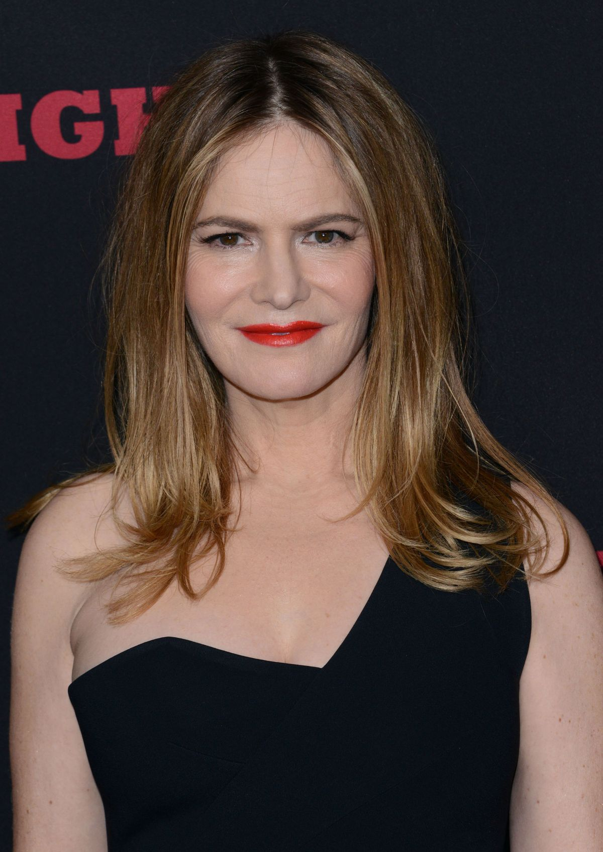 JENNIFER JASON LEIGH at The Hateful Eight Premiere in Los