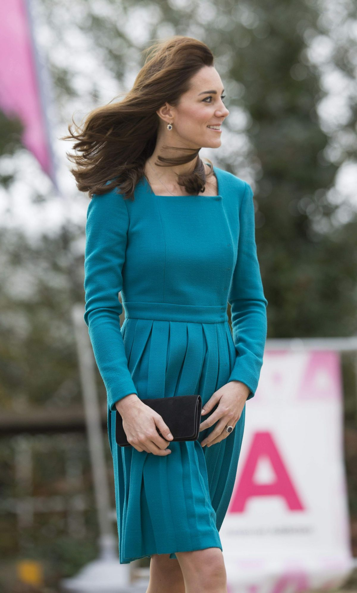 KATE MIDDLETON on the Visits in Wiltshire 12/10/2015