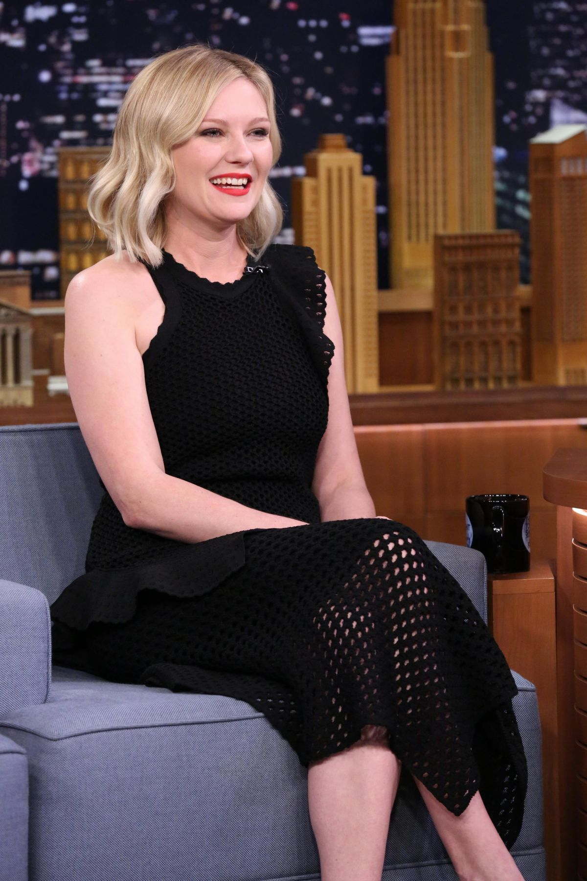 KIRSTEN DUNST at The Tonight Show Starring Jimmy Fallon 12/11/2015