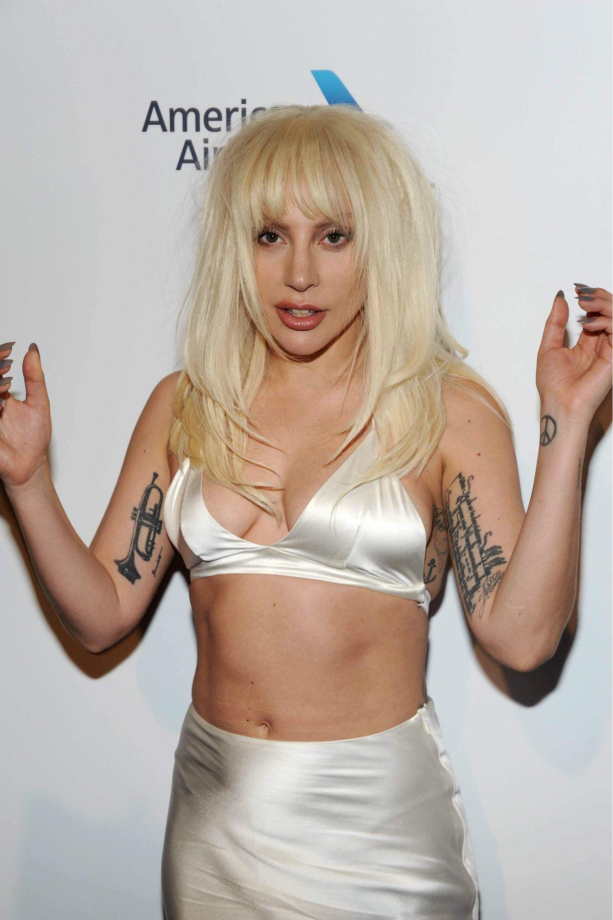 amator older big tits toples blonde