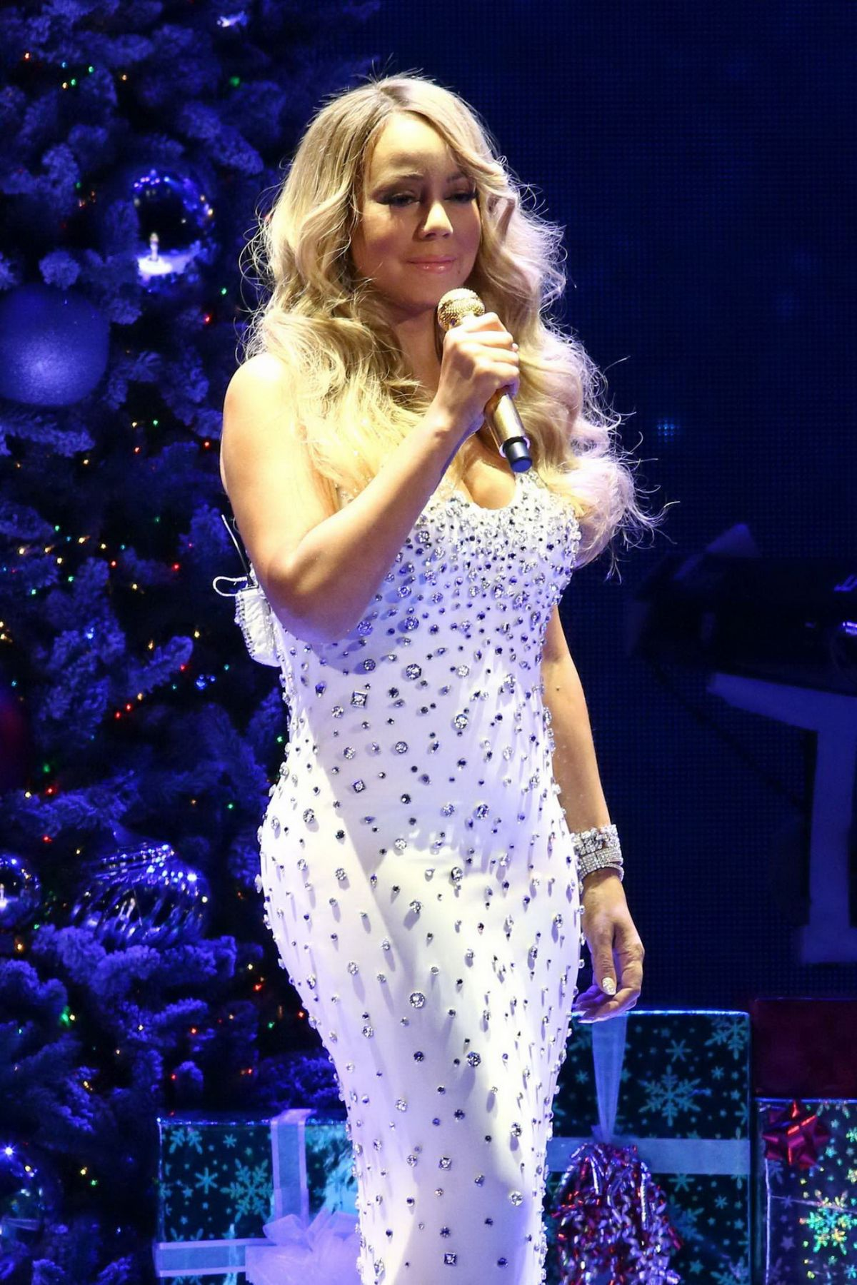 MARIAH CAREY Performs at All I Want for Christmas is You Concert in New York 12/08/2015