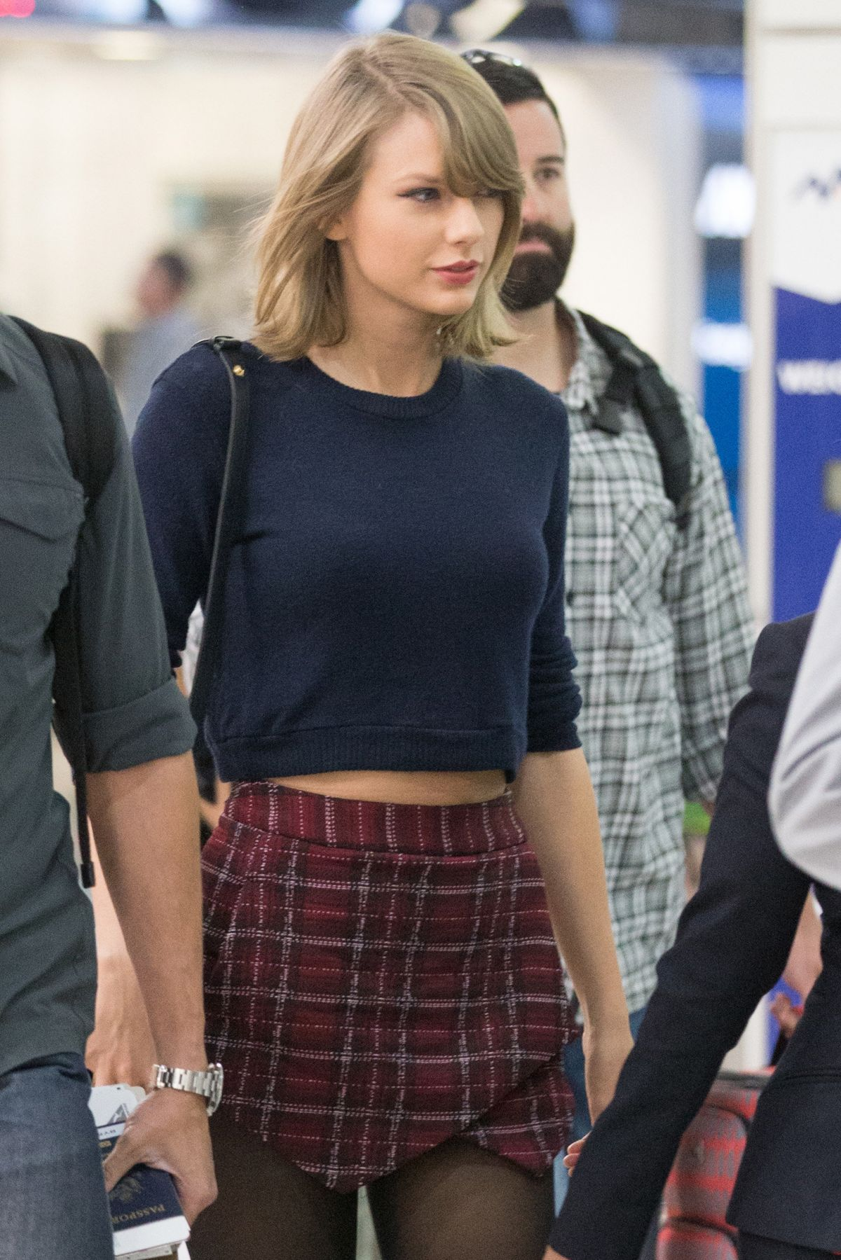 TAYLOR SWIFT at Melbourne Airport 12/13/2015