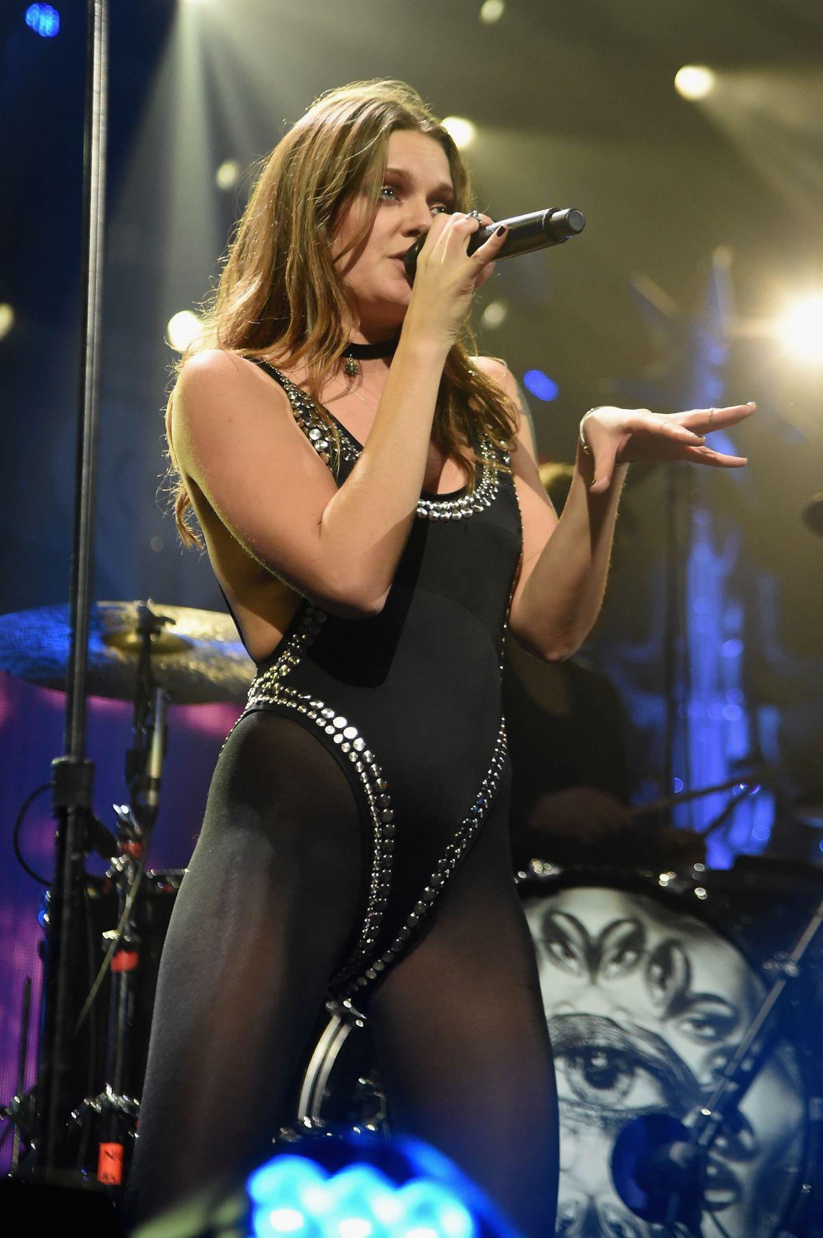 TOVE LO at Hot 99.5s Jingle Ball 2015 in Wahington 12/14