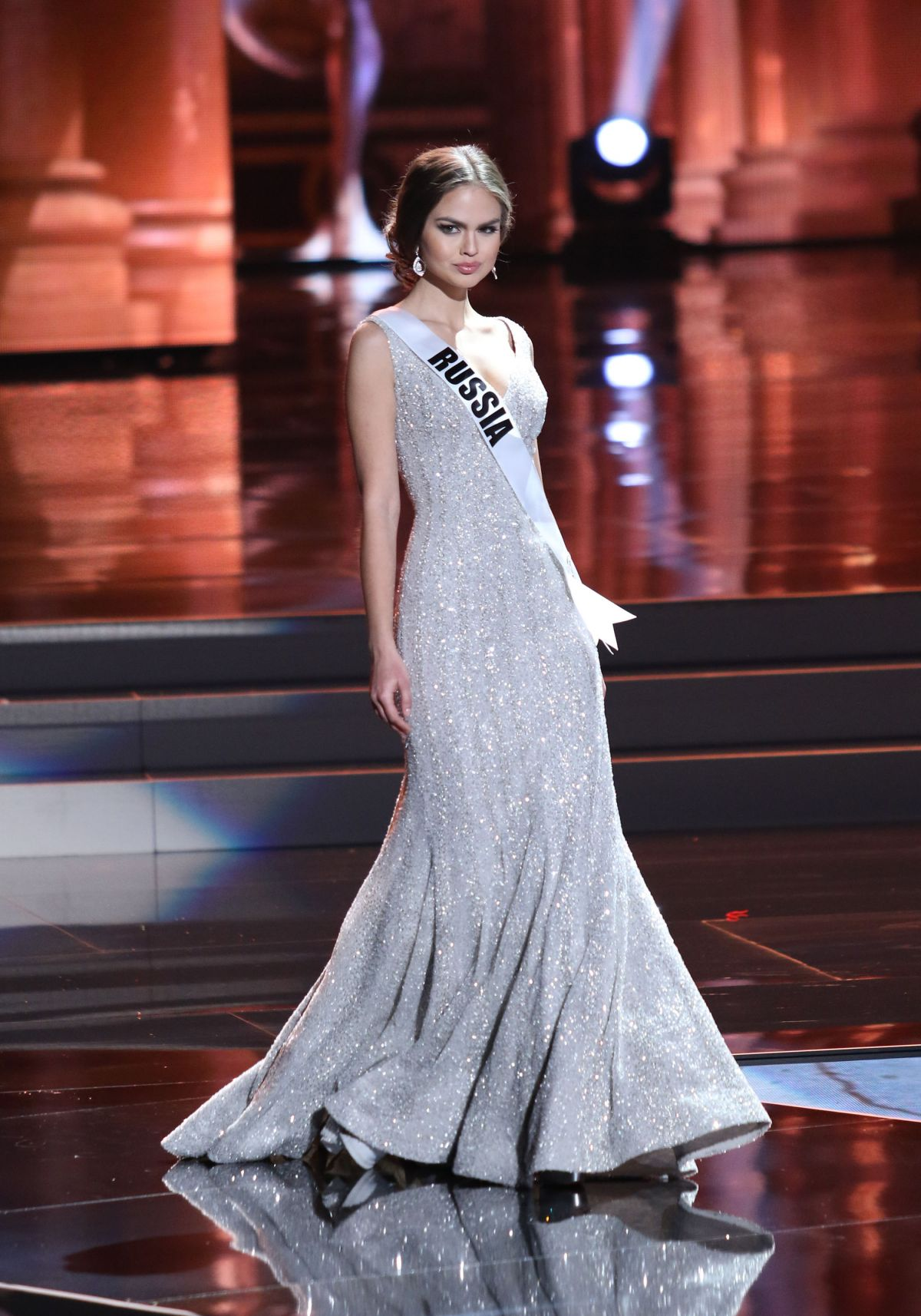 Modern Miss Universe 2015 Evening Gowns Crest - Wedding and flowers ...