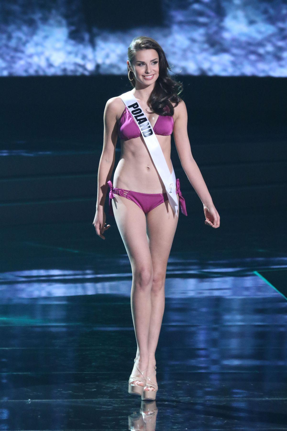 WERONIKA SZMAJDZINSKA - Miss Universe 2015 Preliminary Round 12/16/2015