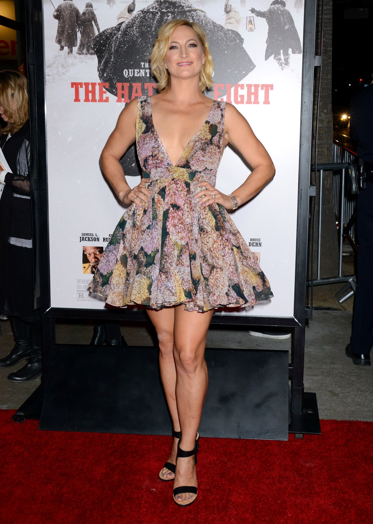 ZOE BELL at The Hateful Eight Premiere in Los Angeles 12 ...