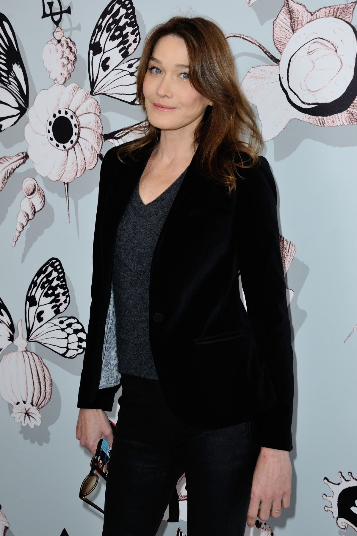 CARLA BRUNI at Schiaparelli Fashion Show in Paris 01/25/2016