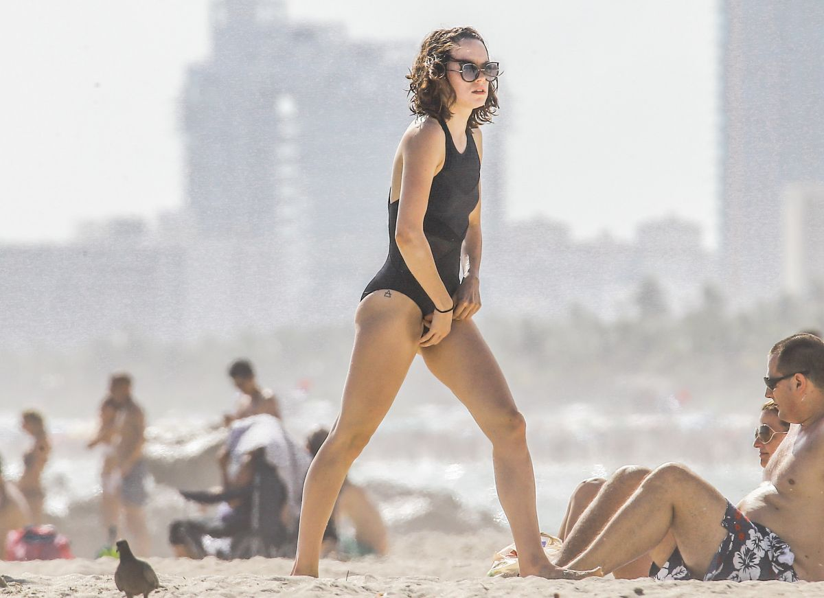 Bikini Daisy Ridley nude (44 foto and video), Ass, Fappening, Boobs, braless 2006