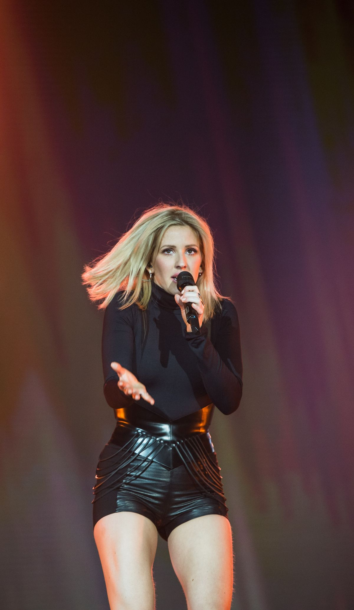 ELLIE GOULDING Pergorms at Delirium World Tour in Hamburg 01/21/2016