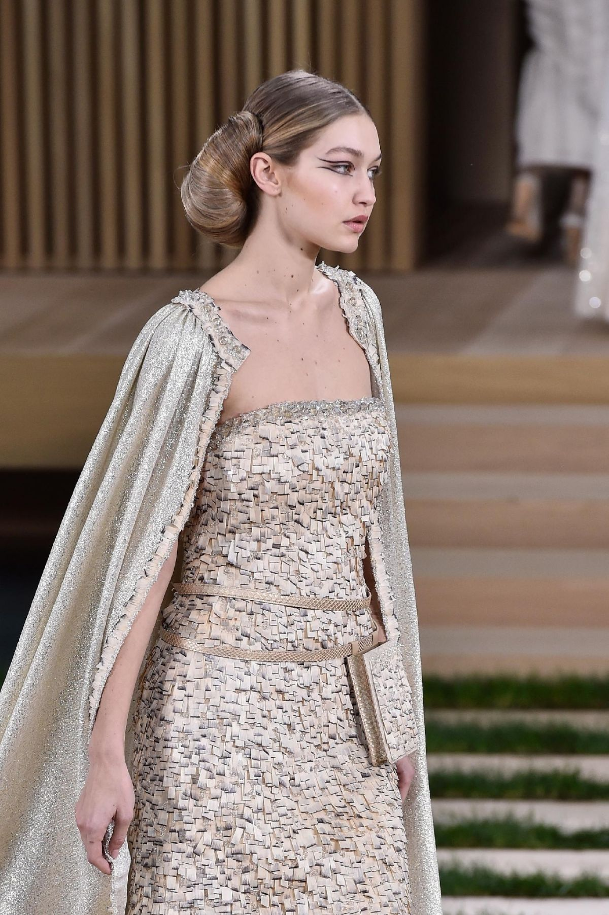 Gigi hadid at chanel haute couture spring summer 2016 for Fashion couture