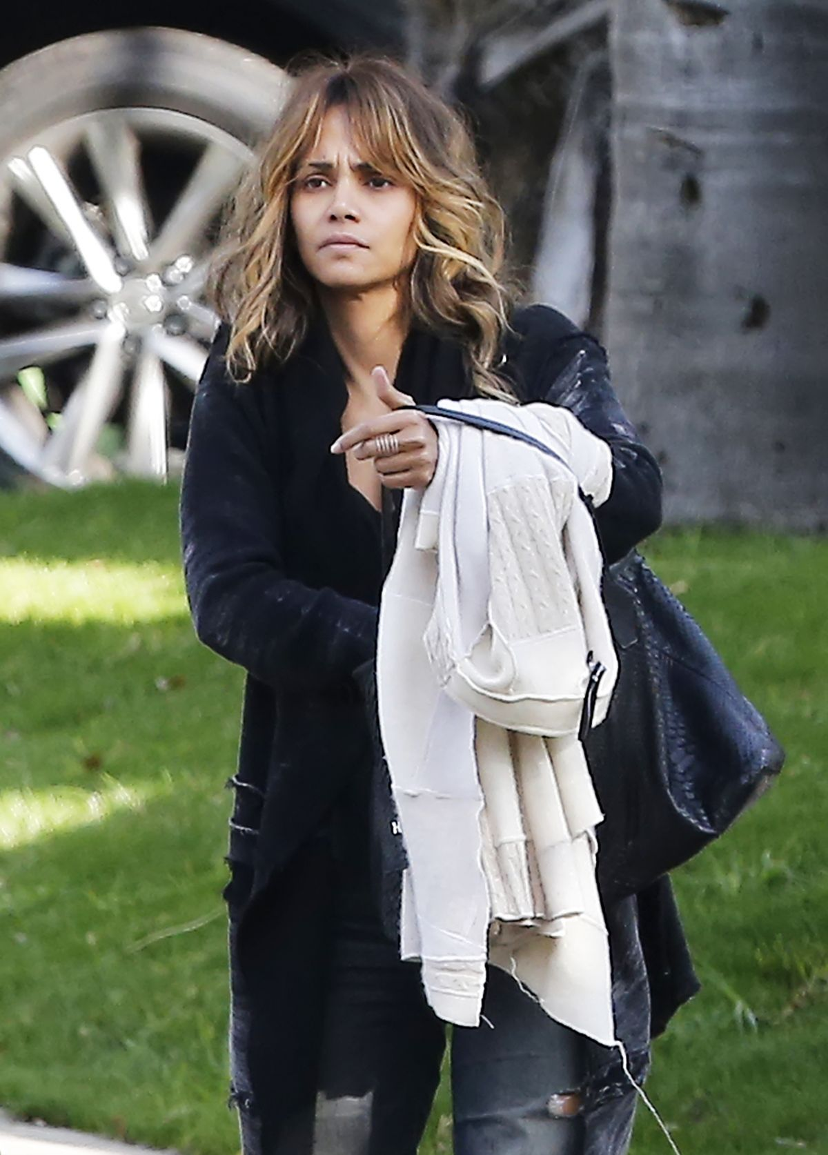 HALLE BERRY Out and About in Los Angeles 01/16/2016