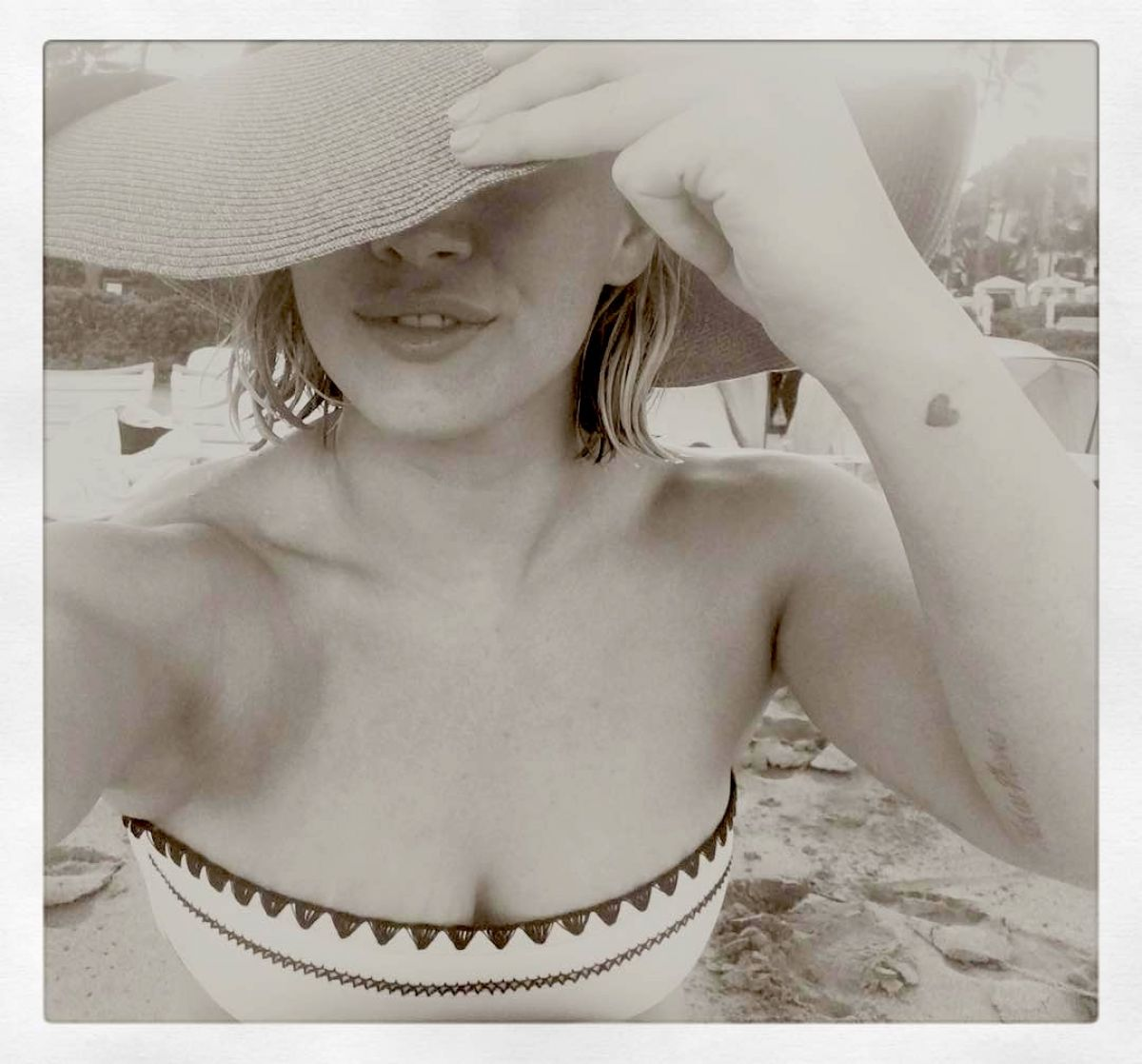 HILARY DUFF in Bikini 01/02/2016 - Instagram Pic ... Hilary Duff Instagram