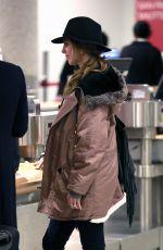 JAMIE-LYNN SIGLER at Los Angeles International Airport 01/26/2016
