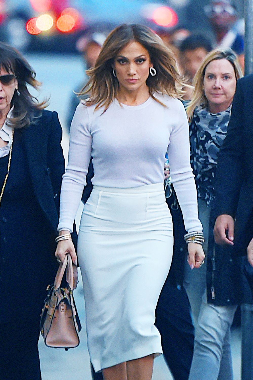 Jennifer lopez at kimmy kimmel live in hollywood 01 04 Where does jennifer lopez live