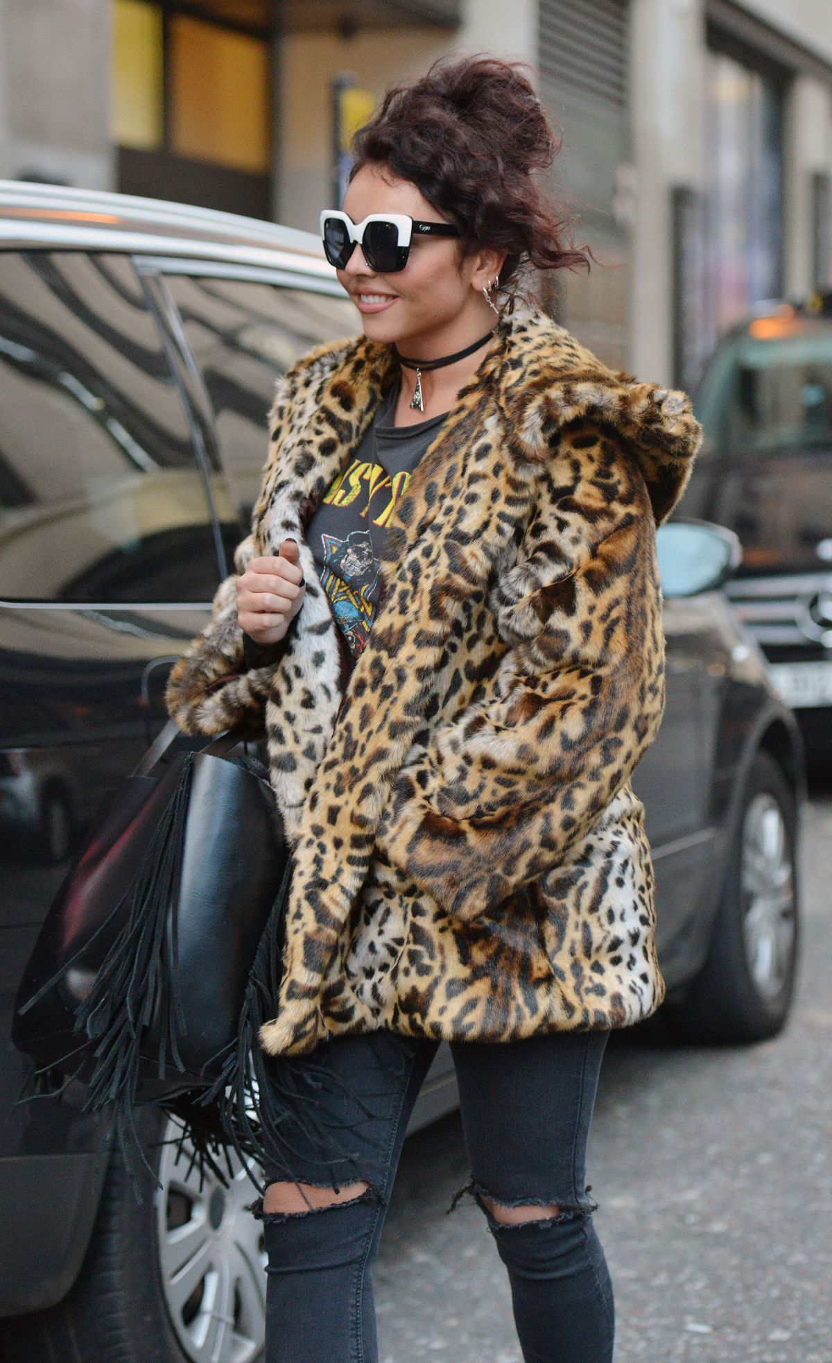 JESY NELSON Leaves an Offices in London 01/21/2016