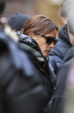 JULIA ROBERTS on the Set of Her New Movie in New York 01/22/2016
