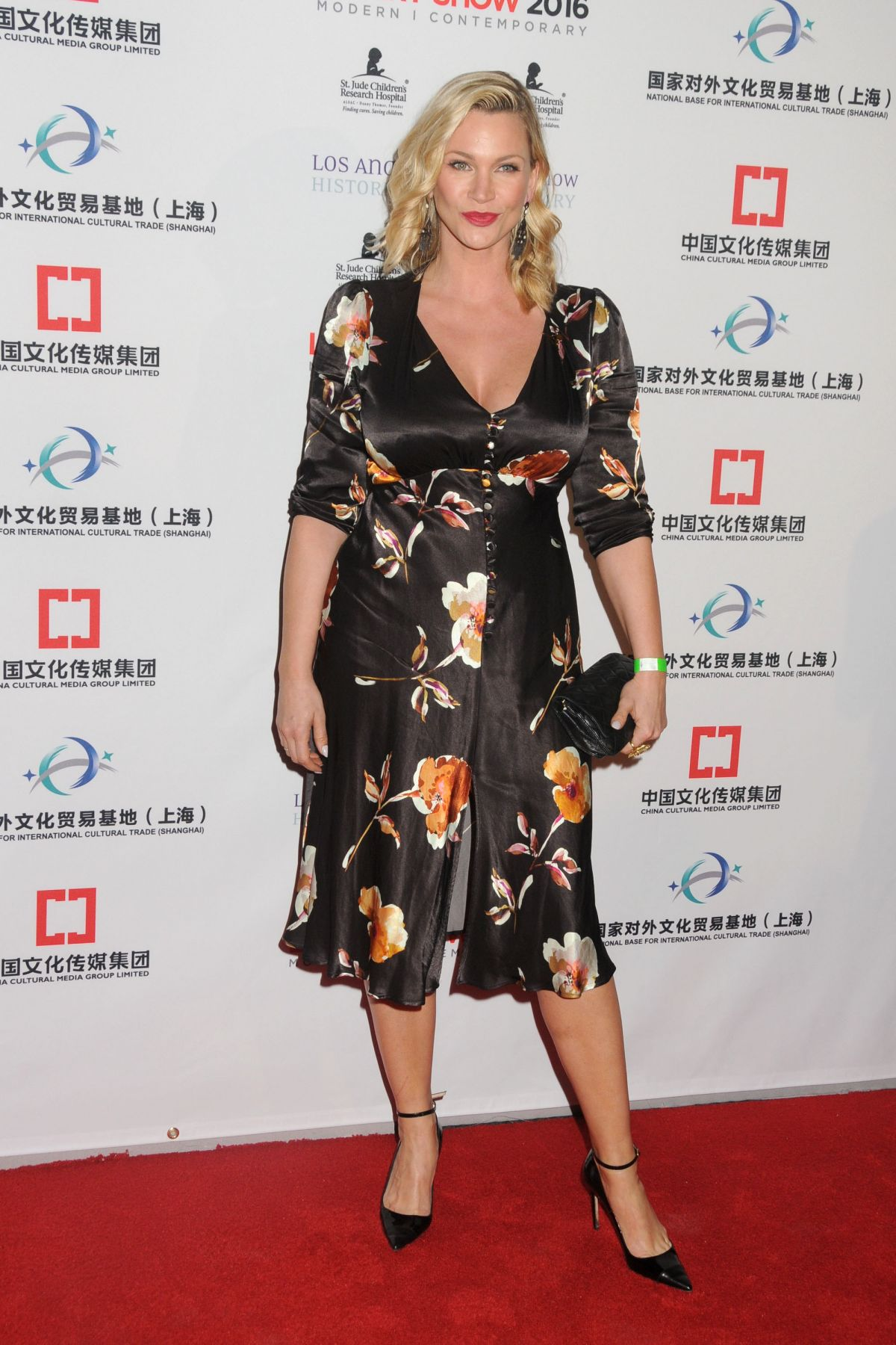 Natasha Henstridge NATASHA HENSTRIDGE at LA Art Show and Los Angeles Fine Art Show's 2016  Opening Night Premiere