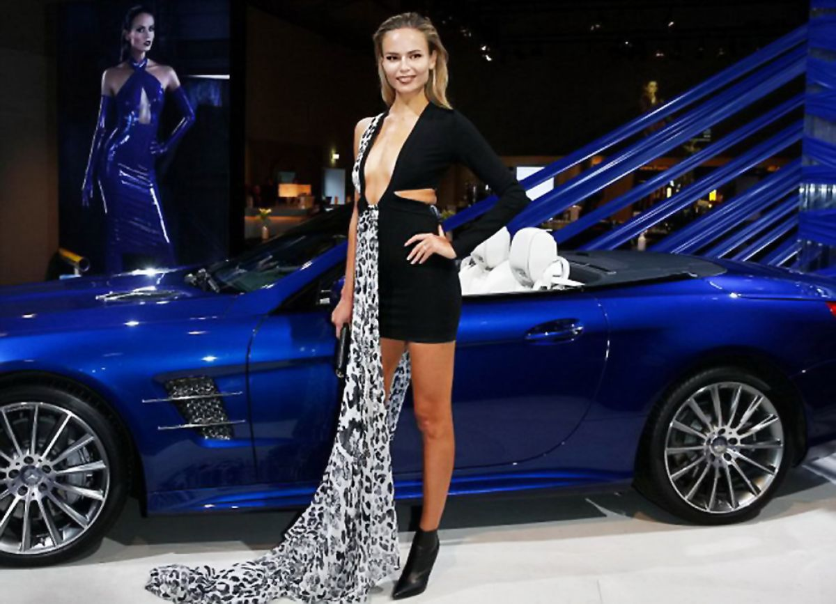 natasha poly at mercedes benz fashion week in berlin 01 21 2016 hawtcelebs. Black Bedroom Furniture Sets. Home Design Ideas
